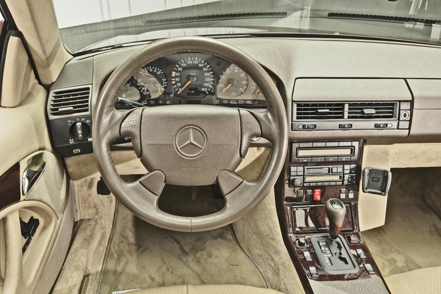 Mercedes-Benz R129 320 SL 16