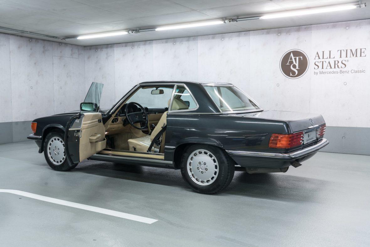 Mercedes-Benz 300 SL (R 107) 7