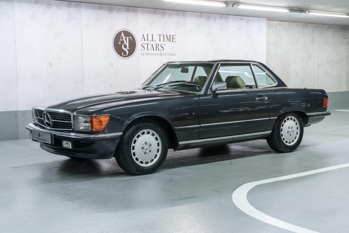 Mercedes-Benz 300 SL (R 107) 4