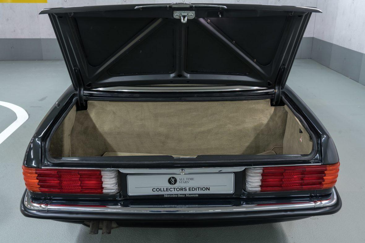 Mercedes-Benz 300 SL (R 107) 21