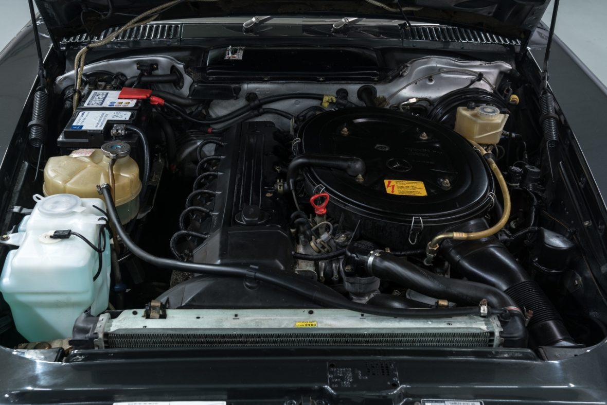Mercedes-Benz 300 SL (R 107) 9