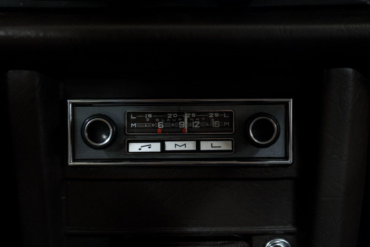 Mercedes-Benz 200 (W 115) 17