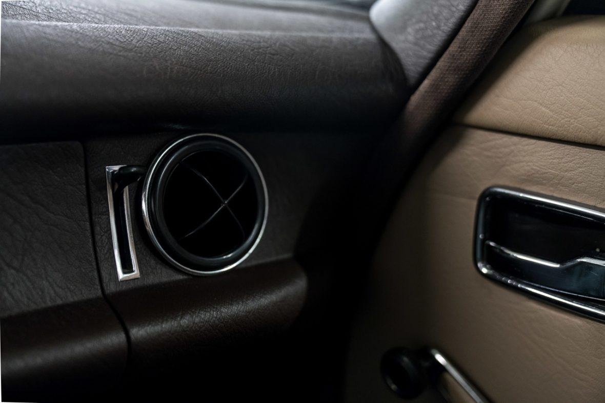 Mercedes-Benz 200 (W 115) 18