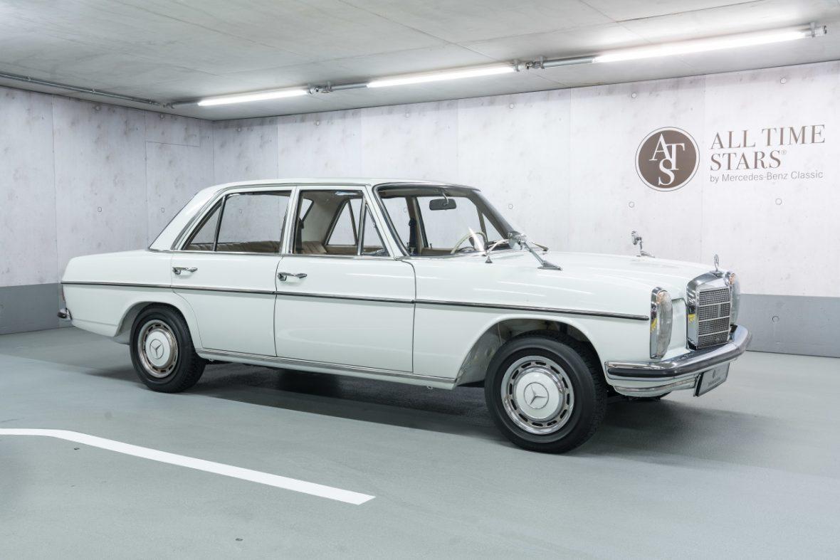 Mercedes-Benz 200 (W 115) 0