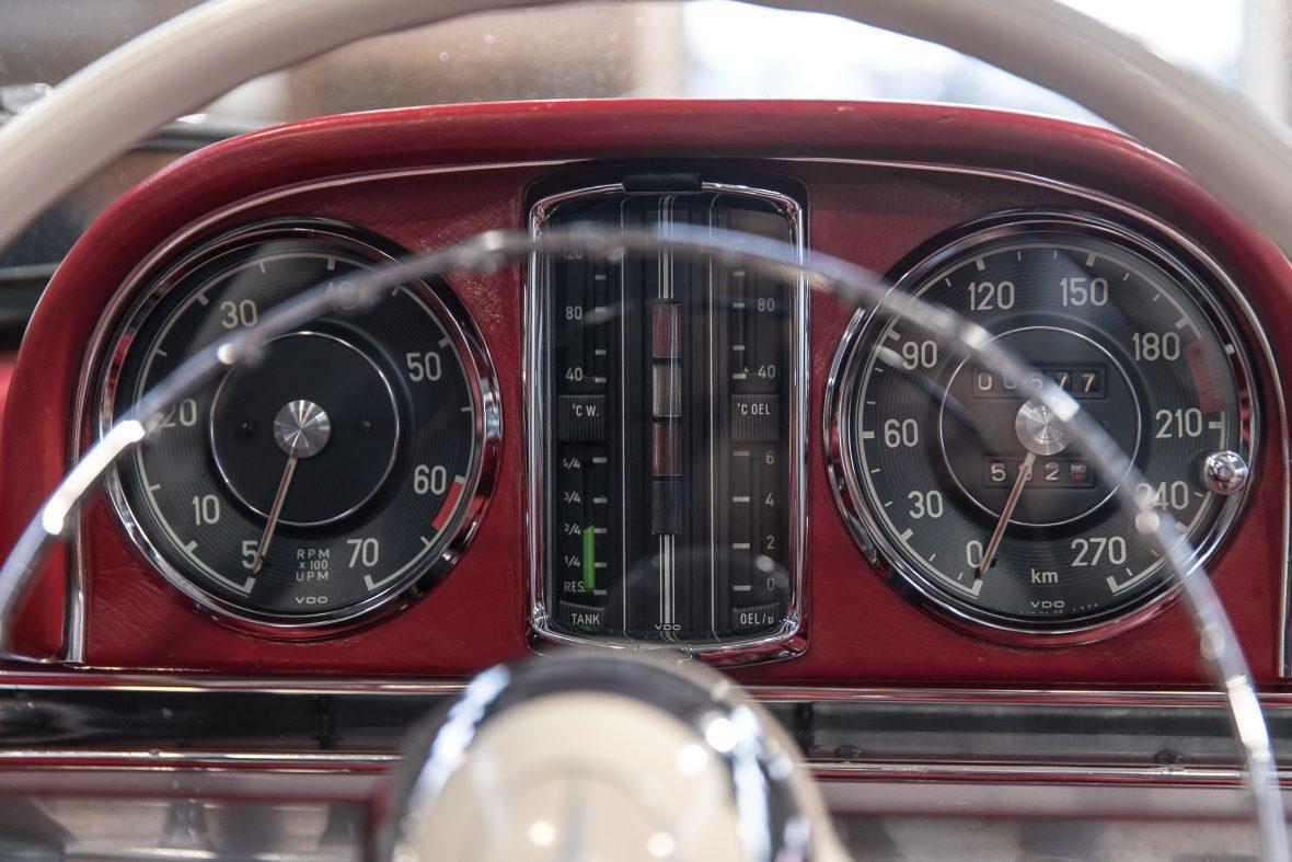 Mercedes-Benz 300 SL Roadster (W 198) 23