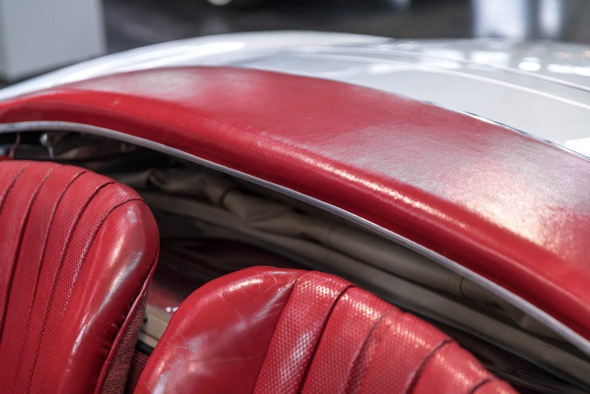 Mercedes-Benz 300 SL Roadster (W 198) 17