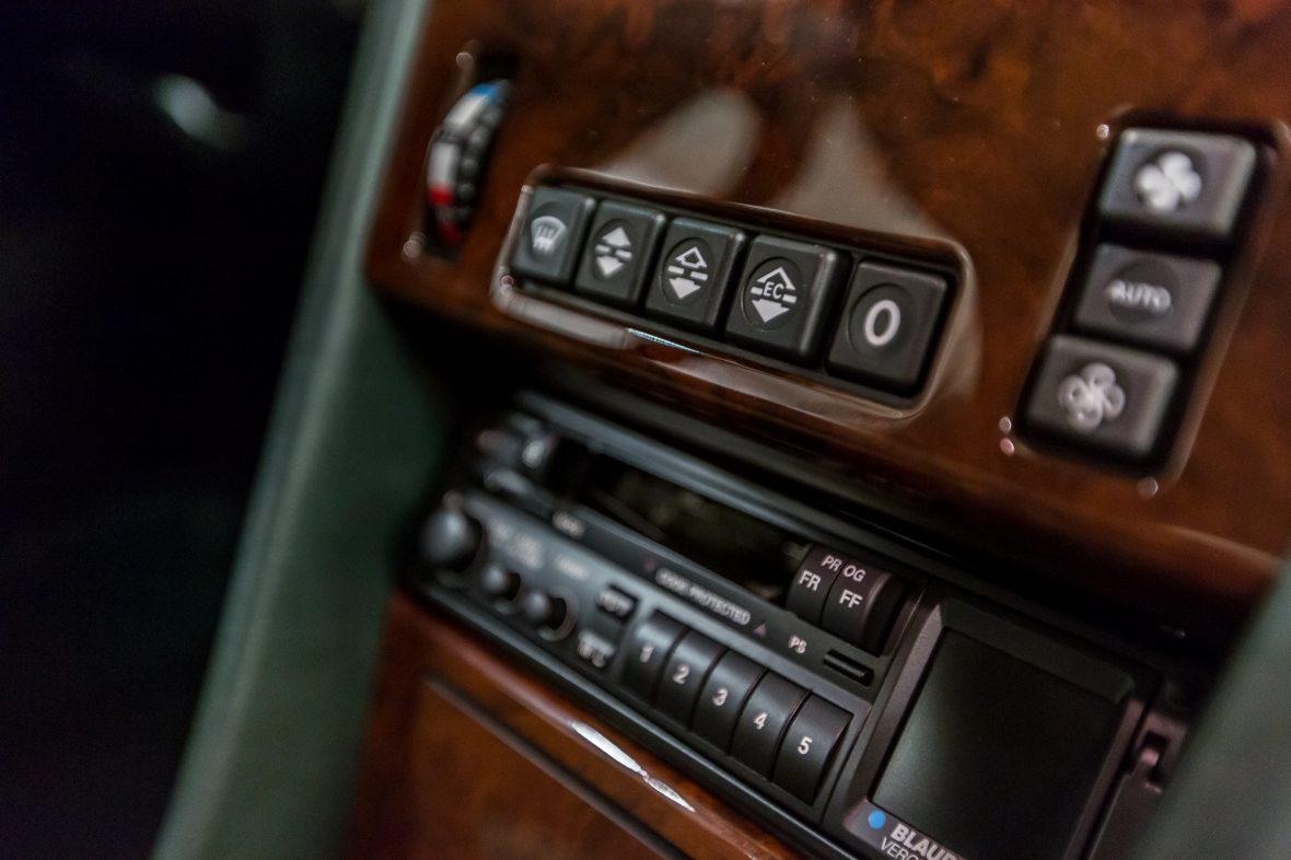 Mercedes-Benz 320 CE (C 124) 14