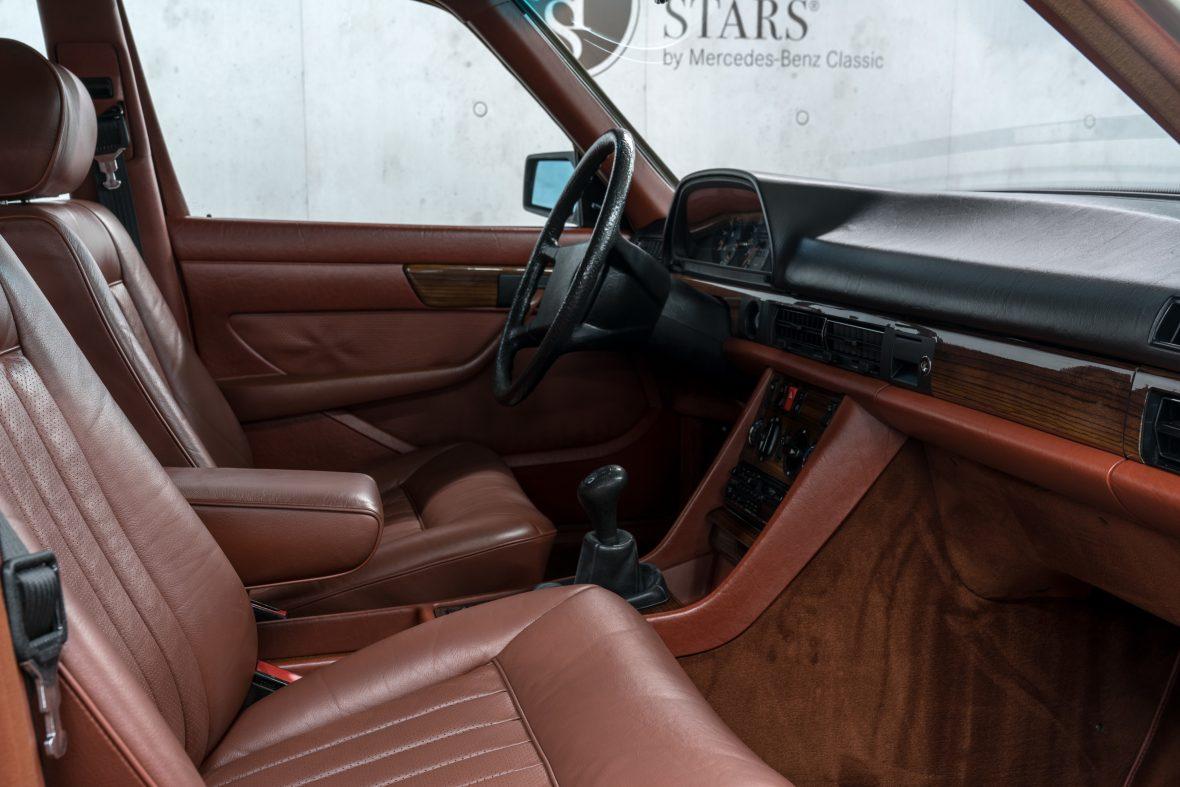 Mercedes-Benz 280 SE (W 126) 11