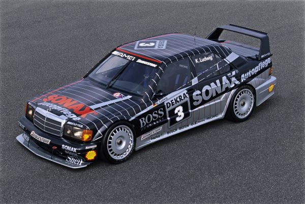 With 16 victories to the 1992 DTM championship
