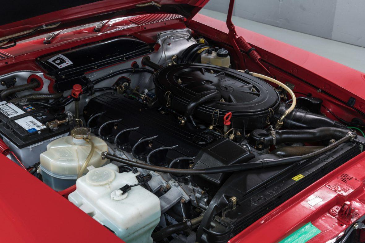 Mercedes-Benz 300 SL (R 107) 8