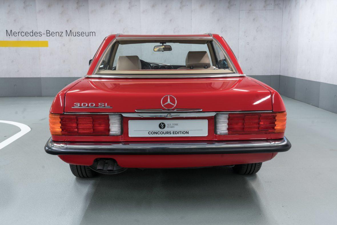 Mercedes-Benz 300 SL (R 107) 5