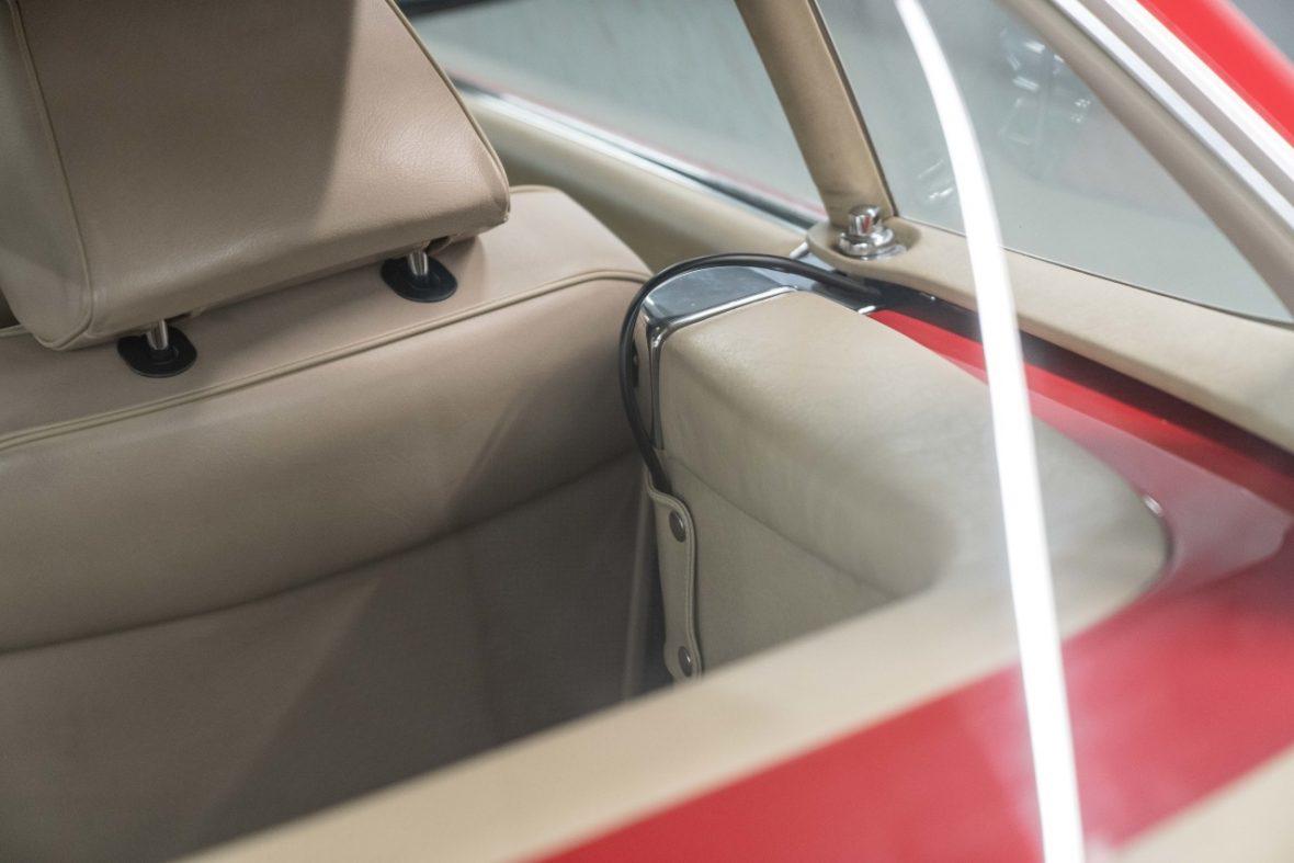 Mercedes-Benz 300 SL (R 107) 23