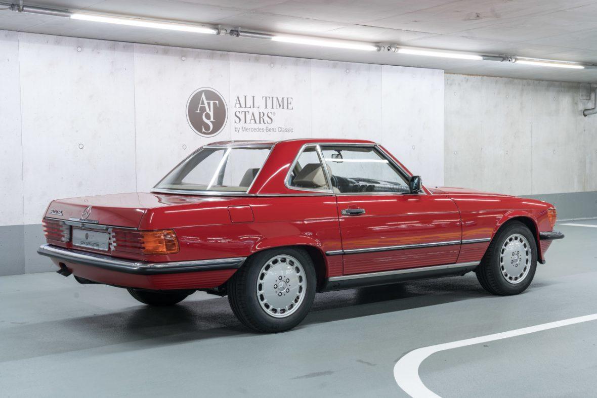Mercedes-Benz 300 SL (R 107) 2