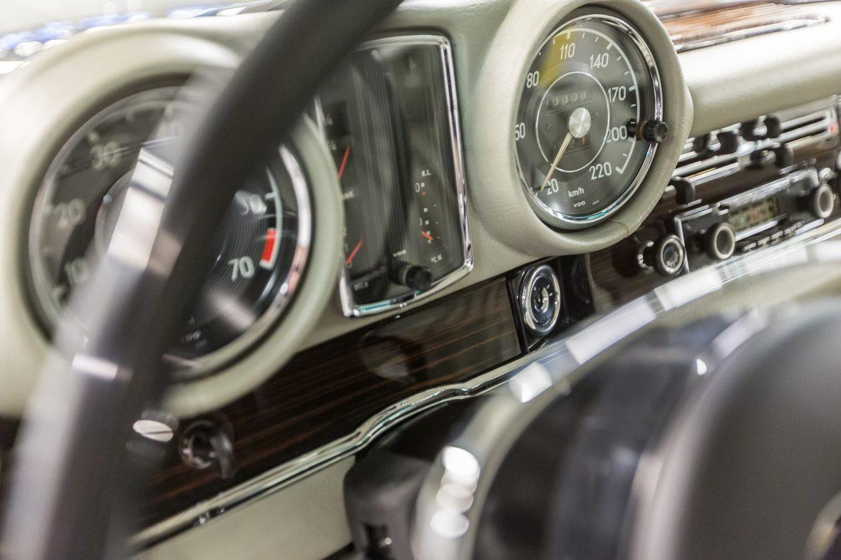 Mercedes-Benz 280 SE 3.5 Coupe (W 111) 16