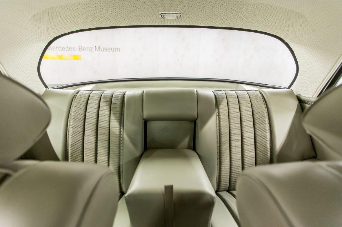 Mercedes-Benz 280 SE 3.5 Coupe (W 111) 10