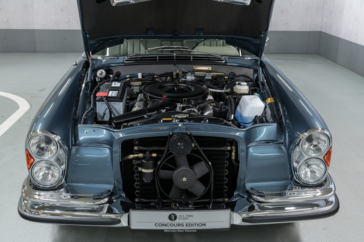 Mercedes-Benz 280 SE 3.5 Coupe (W 111) 29