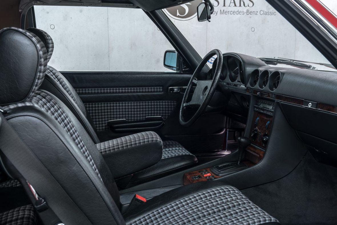 Mercedes-Benz 280 SL (R 107) 12