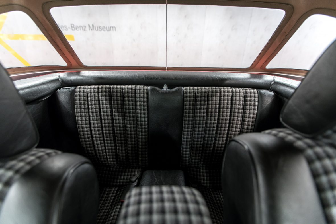 Mercedes-Benz 280 SL (R 107) 10
