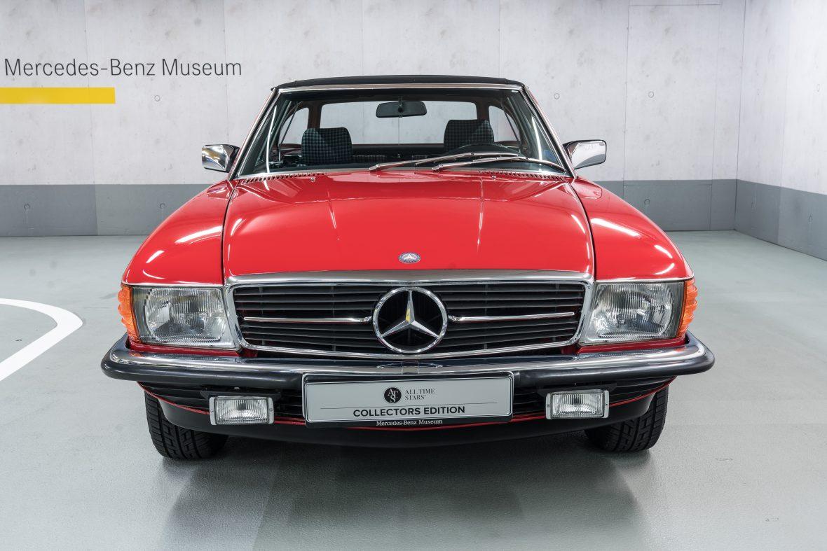 Mercedes-Benz 280 SL (R 107) 3